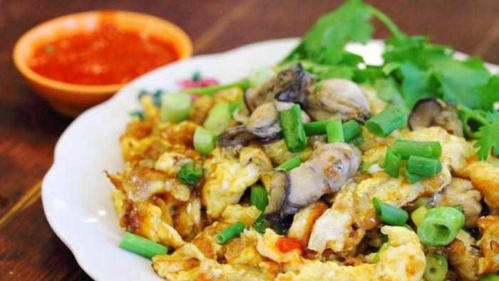Hàu sữa chiên trứng món ăn phổ biến tại Đài Bắc